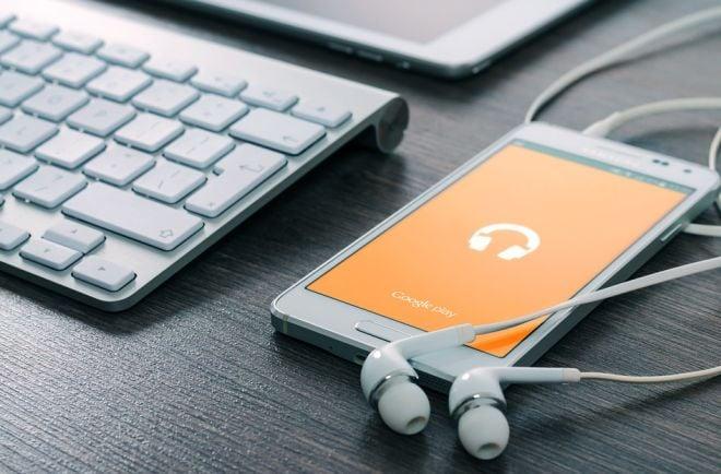 Hudba ke stažení zdarma do mobilu